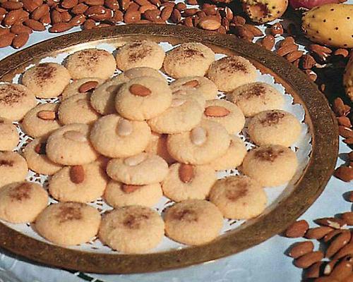 Petits gâteaux «GHRIBATS» à la semoule