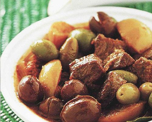 Ragoût de boeuf aux olives Mquele d'zitoun